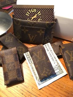 A money clip, upcycling Louis Vuitton!