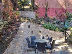 Támfalépítés Budapest II. kerületben. Budapest, Patio, Outdoor Decor, Home Decor, Decoration Home, Room Decor, Home Interior Design, Home Decoration, Terrace
