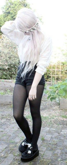 Pastel goth girl with white hairstyle wearing Pantyhose leggings - http://ninjacosmico.com/8-gothic-ways-rock-leggings/