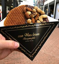This stroopwafel my friend got in Amsterdam! via FoodPorn on August 09 2019 at Chocolate Sweets, Aesthetic Food, Food Packaging, Food Cravings, Creative Food, Food Truck, Crepes, Food Photo, Street Food