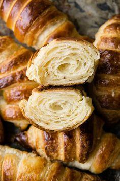 Croissant Recipe, Vegan Ramen, Ramen Noodles, Freshly Baked, Bread Baking, Sausage, Cooking Recipes, Keto, Tasty