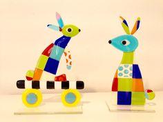 Hares #easter #mikkalinaglas #glassartist #glass #handmade #chick #eastereggs #bullseyeglass #easterbunny