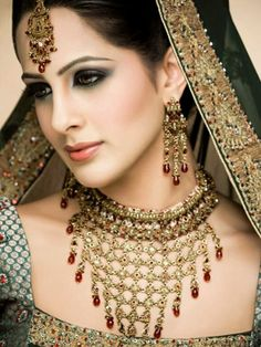 Indian bridal - know about indian culture and visit india with us get best and cheap tour deal