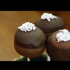 Cheesecake cake pop! Amazing! I really want to try this.