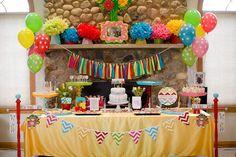 decoracion latas pompones y globos