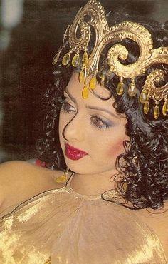 Bollywood Actress Hot Photos, Vintage Bollywood, Most Beautiful Indian Actress, Culture, Hottest Photos, Indian Actresses, Superstar, Siri, Celebrities