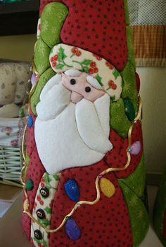 mogollas navideñas moldes - Buscar con Google Quilted Christmas Ornaments, Fabric Ornaments, Christmas Sewing, Christmas Fabric, Christmas Love, Handmade Christmas, Christmas Stockings, Christmas Decorations, Xmas