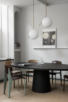 Dining room furniture ideas that are going to be one of the best dining room design sets of the year! Get inspired by these dining room lighting and furniture ideas!