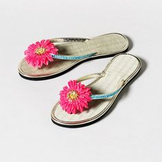 The summer-perfect Pink Flower Sandals