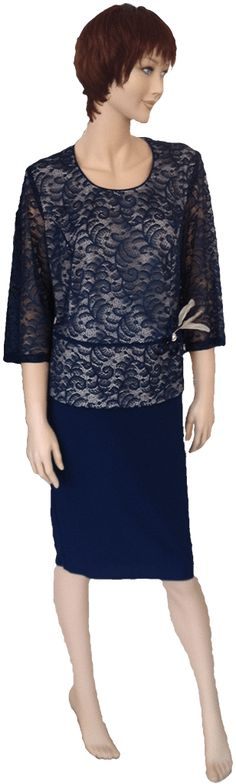 Elegante conjunto de blusa con falda adecuado para eventos. Colores rosa palo y azul marino. Tallas 50 y 52