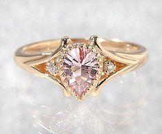 """""""優雅に、凛と…"""" <br>K18 モルガナイト ダイヤモンド リング 『pera』<br><br>【ピンキーリング対応可能】"""