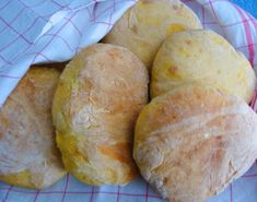 Bataattileipä - Bolo do caco - - Resepti | Kotikokki.net Bread, Bon Appetit, Madeira, Pie Cake, Breads, Baking, Buns