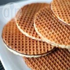 Stroopwafels (Dutch Waffles) recipe – All recipes Australia NZ Dutch Waffles, Crepes And Waffles, Waffle Recipes, Cookie Recipes, Dessert Recipes, Dutch Waffle Cookies Recipe, Dutch Recipes, Sweet Recipes, Stroopwafel Recipe