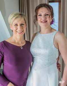 Bride & matron of honour Matron Of Honour, Country Farm, Farm Wedding, Wedding Photos, Bride, Photography, Marriage Pictures, Wedding Bride, Photograph