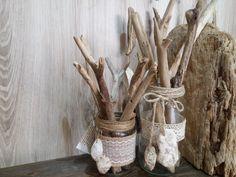 Bote cristal decorados con maderas del mar.