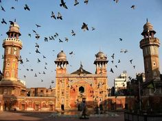 Wazir Kahn Mosque, Lahore, Pakistan, Image Credit: Wikipedia. | 60 Photos of Beautiful Mosques Around The World