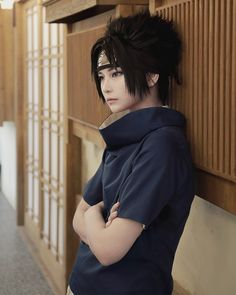 Sasuke (I like the simplicity of this one) Cosplay Anime, Sasuke Uchiha Cosplay, Cosplay Boy, Cute Cosplay, Amazing Cosplay, Best Cosplay, Anime Naruto, Cosplay Costumes, Armadura Cosplay