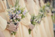 bouquet-delicate-hoisting-brautstrauß-beautiful-ideas-Hochzeitsdeko-h … - Decor Boquette Wedding, Floral Wedding, Wedding Colors, Wedding Bouquets, Wedding Pastel, Bridesmaid Bouquets, Vineyard Wedding, Wedding Reception, Wedding Ideas