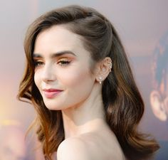 Lily collins at The Last Tycoon Premiere in Los Angeles 07 27 2017 Bride Hairstyles, Hairstyles With Bangs, Easy Hairstyles, Hairstyles Pictures, Hairstyle Pics, Blonde Haircuts, 4c Natural Hair, Natural Hair Styles, Short Hair Styles