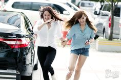 Fx Krystal and Victoria
