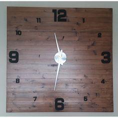 Büyük Boy Ahşap 3D 1 Metre Duvar Saati Modeli, Büyük Boy Ahşap 3D 1 Metre Duvar Saati ModeliÜrün Bilgisi ;Ürün maddesi : Gerçek AhşapÜrün rengi : Antik cevizTek kalem pil ile çalışırSessiz
