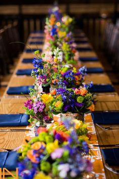 Jewel toned wedding reception tablescape - on trend for 2016 Beautiful table setting via Breckenridge Resort Blue Table Settings, Beautiful Table Settings, Wedding Table Settings, Setting Table, Elegant Table Settings, Place Settings, Navy Wedding Flowers, Wedding Colors, Wedding Blue