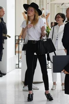 Amber Heard - leaving her Hotel in Cannes May Amber Heard Photos And Pictures - CelebPIX Amber Heard Style, Amber Heard Photos, Star Fashion, Womens Fashion, Fashion Trends, Amber Head, Look Magazine, Red Jumpsuit, Hippie Outfits