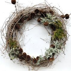 NATURKINDER: WILD Advent Wreath – made with treasures from the woods