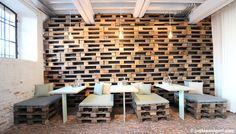Pallet wall for this restaurant in Antwerp • Recyclart