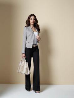 Die weite und gerade geschnittene Hose im Stil der 30er Jahre macht auch heute noch eine gute Figur.    In Kombination mit einem edlen Blazer kann sich jede DOLZER Lady wie Marlene Dietrich fühlen.