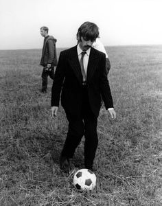 Ringo jugando fútbol