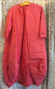 Pauline Trigere: cocoon style coat, 1960s. RetroRosiesVintage