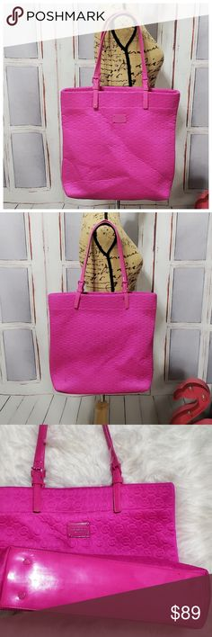 """Michael Kors pink quilted tote This tote is in EUC 16"""" wide 159bfc6daa2"""