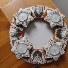 Christmas Gingerbread, Christmas Crafts, Merry Christmas, Christmas Decorations, Holiday Decor, Advent, Holiday Cookies, Biscuits, Candle Holders