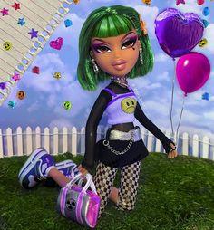 💕⚠️Hair grow long like Chia, money go long like Nia ⚠️💕 Bratz Doll Makeup, Bratz Doll Outfits, Black Bratz Doll, Brat Doll, Bratz Girls, Grow Long Hair, Sugar Skull Art, Makeup Tattoos, Doja Cat
