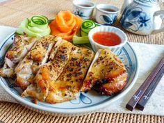 タイの焼き鳥「ガイヤーン」は。濃厚な香りと甘さがクセになる絶品料理!今回は基本のガイヤーンレシピと、アレンジレシピをご紹介します。辛みのないガイヤーンは、日本人でも食べやすく、ごはんやお酒との相性も抜群ですよ。ココナッツが香る、贅沢なガイヤーンをご自宅でゆっくり味わいましょう。 Thai Recipes, Cooking Recipes, Healthy Recipes, French Dip, Japanese Food, Chicken Wings, Sandwiches, Food And Drink, Beef