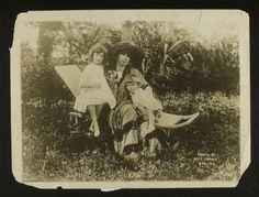 Sarah Bernhardt - France 1916 Sarah B, Paris Images, Nice France, Vintage Photographs, Real People, Archaeology, Old And New, Culture, Dolls