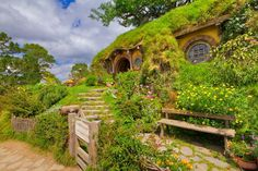 Magic Green Homes: A Hobbit House You Can Build in Three Days