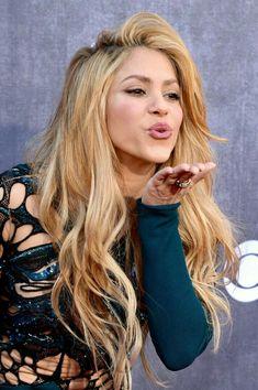 シャキーラ好きだー✨ beautiful! Shakira: 2014 Academy of Country Music Awards Shakira 2014, Shakira Mebarak, Country Music Awards, Woman Crush, Her Hair, Beyonce, Hair Inspiration, Hair Makeup, Hair Beauty
