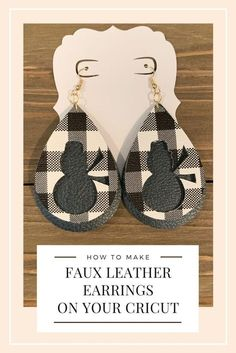 Learn how to put these super cute snowman faux leather earrings on your Cricut .Learn how to make these super cute snowman faux leather earrings on your cricut machine. These DIY earrings are so easy Diy Leather Earrings, Diy Earrings, Tiffany Jewelry, Cricut Blades, Cricut Mat, How To Make Leather, Armband Diy, Diy Jewelry Unique, Jewelry Making Tools