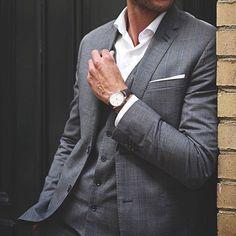 William L. Vintage Style Chronograph - Or Rose - Buffalo Marron Fashion News, Kids Fashion, Fashion Design, Men's Fashion, Buffalo, Casual Outfits, Men Casual, Suit Fabric, Fashion Stylist