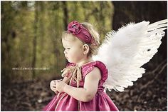 :) got to get some wings! Grace is the perfect angel! Hobby Photography, Creative Photography, Children Photography, Photography Poses, Baby Girl Photos, Baby Pictures, Fertile Woman, Baby First Halloween, Photo Projects