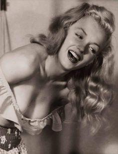 Norma Jeane Age 21 By Earl Moran 1947