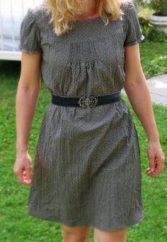 Pintuck Kleid