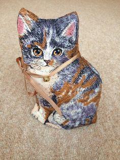 Cute cat cup/mug cosy by GreenInKent on Etsy