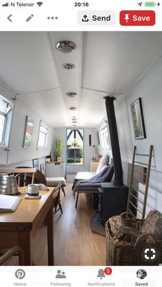 Is it really possible to live on a houseboat?different types of houseboats that are commonly used as fulltime dwellings of vacation homes. Small Space Living, Small Spaces, Living Spaces, Barge Interior, Interior Design, Interior Ideas, Canal Boat Interior, Narrowboat Interiors, Trailers
