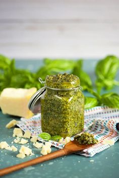 Basil Pesto Sauce, Basil Pesto Recipes, Recipes With Basil, How To Make Pesto, Food To Make, Sauce Recipes, Cooking Recipes, Cooking Herbs, Hemp Protein