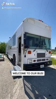 School Bus Tiny House, School Bus Camper, Volkswagen Bus Camper, Shasta Camper, Bus Life, Camper Life, Motor Casa, Casas Trailer, Converted School Bus