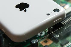 Apple Patents LiquidMetal And Sapphire Mobile Device Construction Method