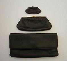 Online veilinghuis Catawiki  Vintage set - 2 portemonnees en Envelop tas 4da94ba0d8